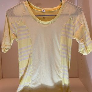 Lululemon Athletica Short sleeve top sz4 yellow